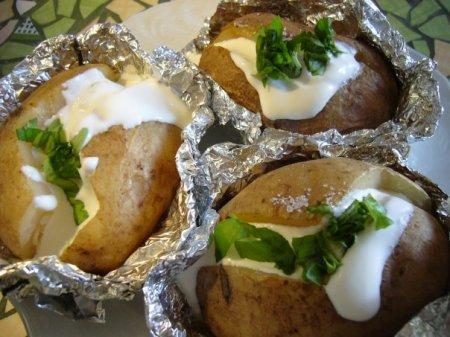 Рецепт - Картофель в фольге в духовке