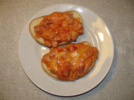 Рецепт пасты из зажаренного лука и козьего сыра