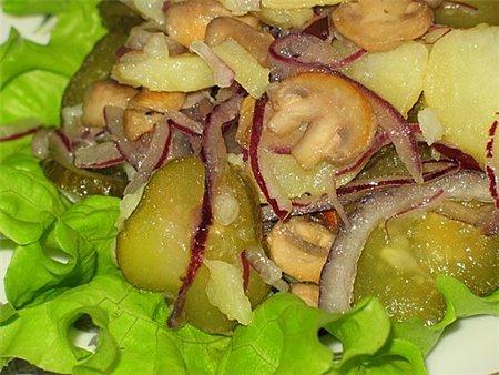 Новогодний рецепт салата с грибами