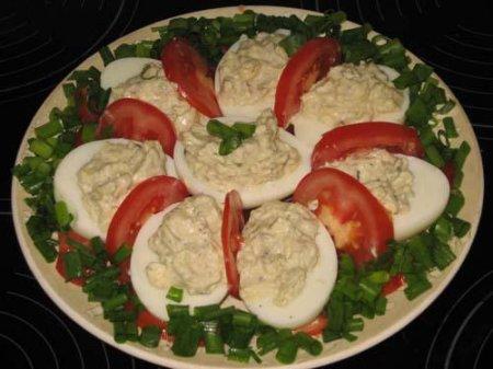 Рецепт яиц, фаршированных сыром