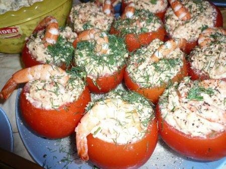 Новогодний рецепт помидор, фаршированных креветками