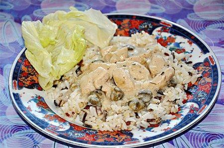 Новогодний рецепт индейки отварной под белым соусом с рисом