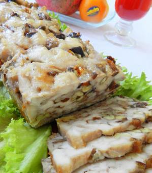 Новогодний рецепт ветчины куриной с черносливом и орехами