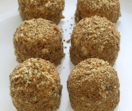 Рождественский рецепт шариков из сладких крошек