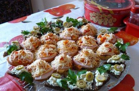 Рождественский рецепт канапе с ветчиной