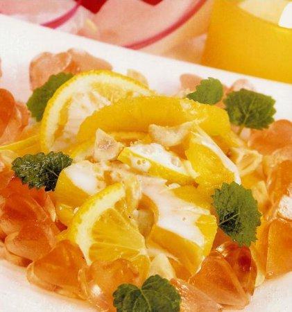 Рождественский рецепт салата ананасового с лимоном и орехами