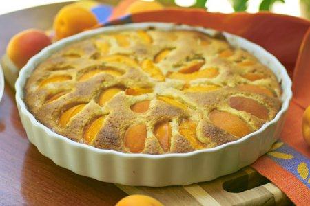 Рецепт абрикосового пирога с марципаном