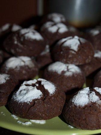 Рецепт на 14 февраля - печенье с горьким шоколадом в сахарной пудре