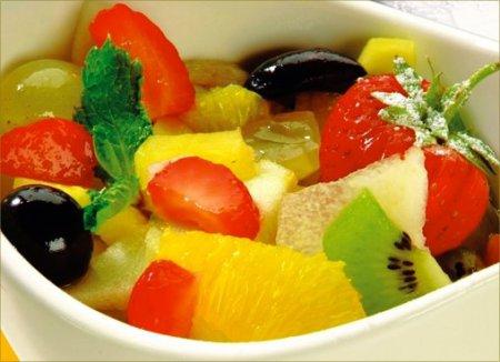 Рецепт на 14 февраля - Десерт с фруктами и мёдом.