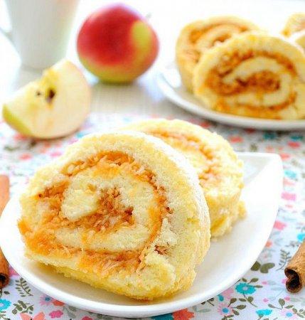 Рецепт бисквитного пирога с яблоками на 8 марта