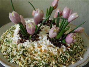 "Рецепт салата ""Цветы весны"" на 8 марта"