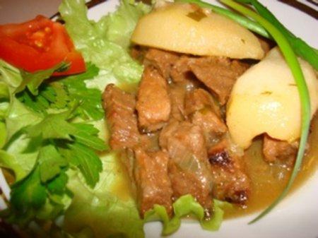Рецепт говядины тушеной с грушами