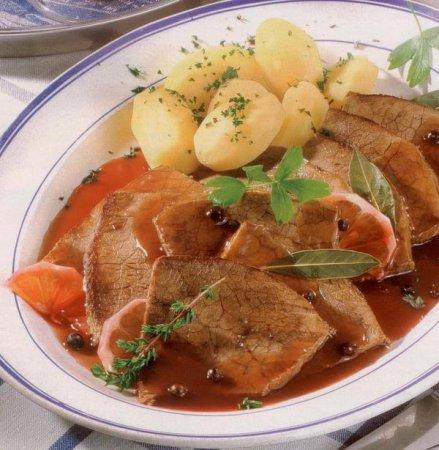 Рецепт мяса в винном соусе