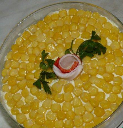 Рецепт салата с крабовыми палочками и морской капустой