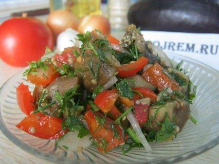 Рецепт баклажанового салата с ореховым соусом
