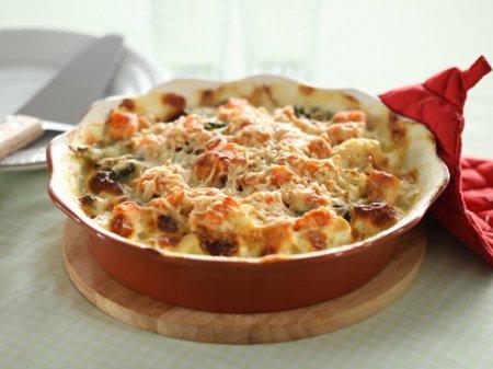 Рецепт запеканки из семги, цветной капусты и брокколи