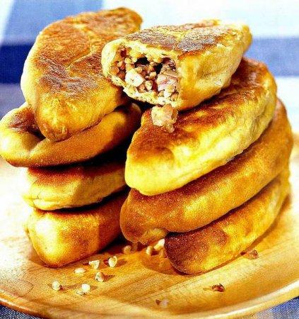 Рецепт пирожков на пиве с начинкой из гречки и грудинки