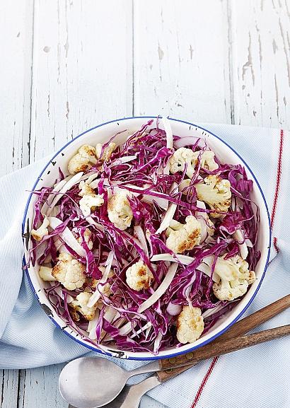 рецепт салата с капустой и сайрой