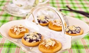 Рецепт ванильного печенья с джемом и орехами