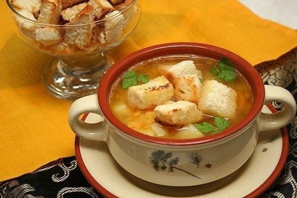 Супы из бобовых 1363785866_recept-goroxovyj-sup-s-kopchenostyami-i-grenkami