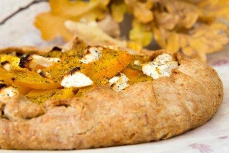 Рецепт лепешки   с тыквой, оливками и луком