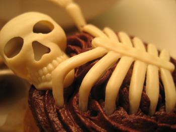 Рецепт торта «Веселый скелет»