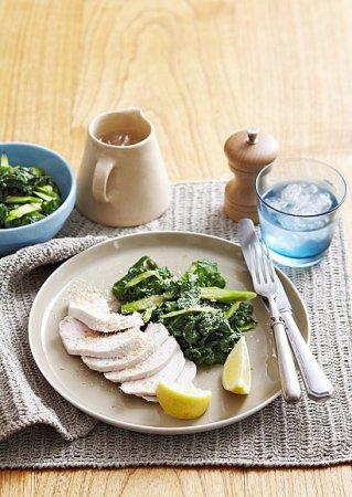 Рецепт курятины с пряным кокосовым салатом
