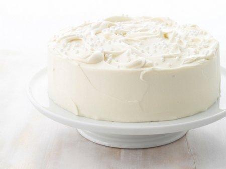 Рецепт миндального  торта с белой шоколадной глазурью