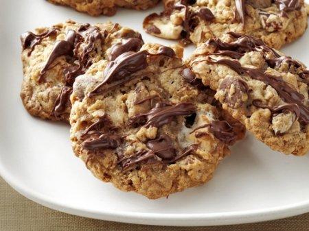Рецепт овсяного печенья с зефиром, орехами и шоколадом