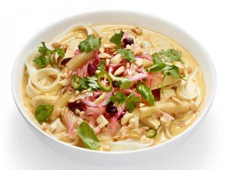 """Рецепт супа карри с курицей, арахисом и маринованными овощами """"Ачат"""""""