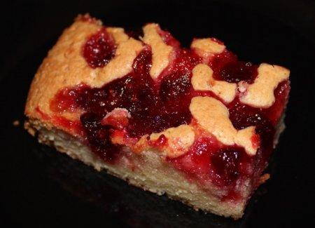 Пирог с клюквой на майонезе