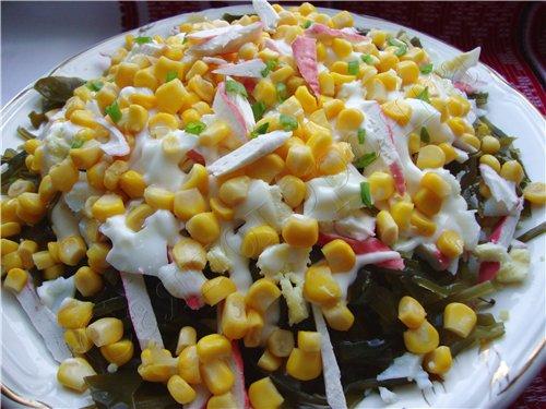 салат с морской капустой с кукурузой