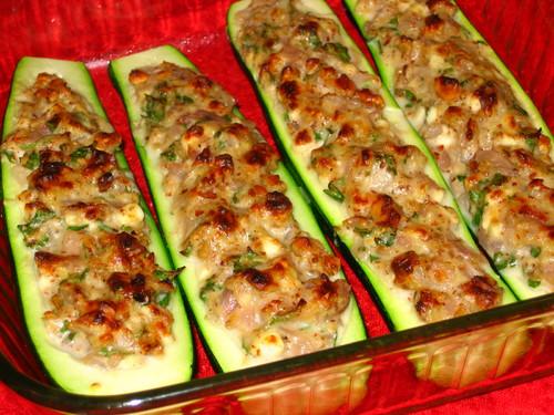 Фарш с кабачками и рисом в духовке