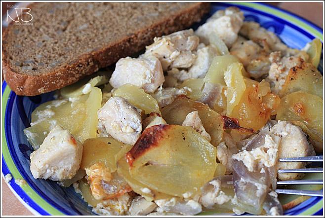 Картофельная запеканка с курицей и шампиньонами