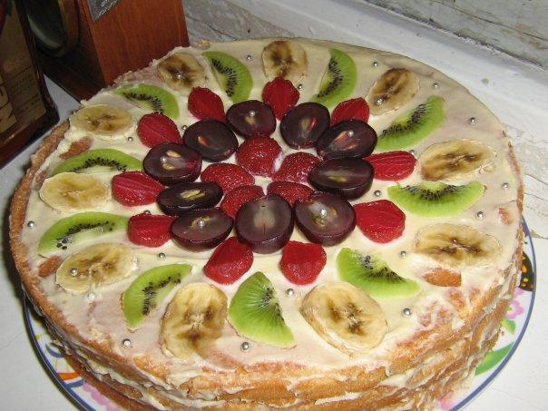 Торт из коржей бисквитный со сгущенкой