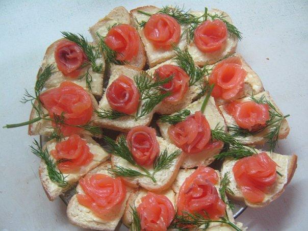 Бутерброды с красной рыбой рецепты и оформление - фото 93