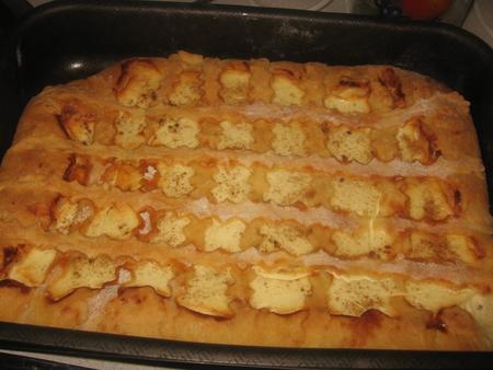 Дрожжевые пирожки с творогом в духовке рецепт