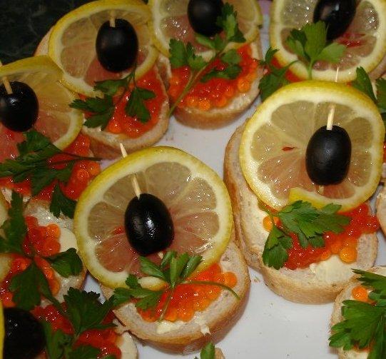 Бутерброды с красной рыбой рецепты и оформление - фото 85