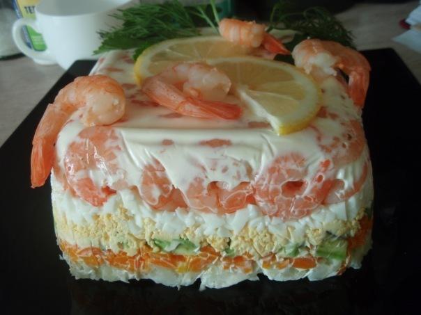 Салат из морепродуктов слоями