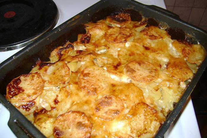 рецепт картошка в духовке слоями помидоры