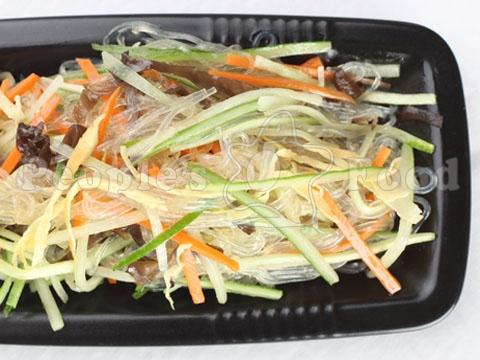 Салат с китайской лапши с