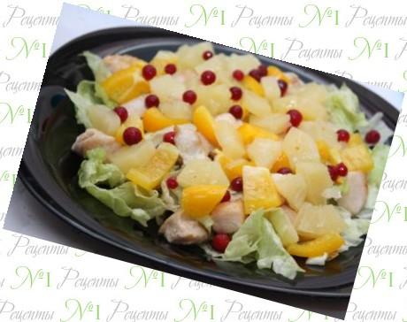 Салат из оливок и ананасами