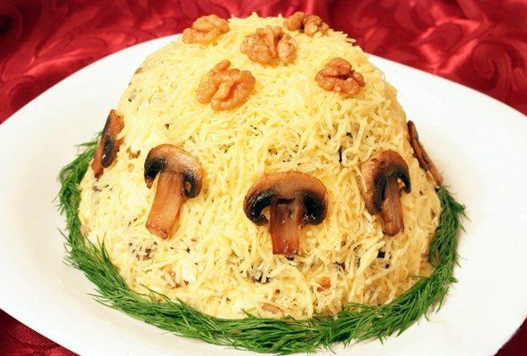 Рецепт: Салат грибной слоеный - все рецепты России
