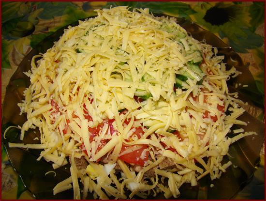 Салат с языком сухариками рецепт с фото