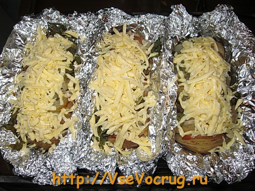 Запеченная картошка в фольге с сыром » ВКУСНЫЕ РЕЦЕПТЫ ...: http://recepty1.ru/zapechennaya-kartoshka-v-folge-s-syrom.html