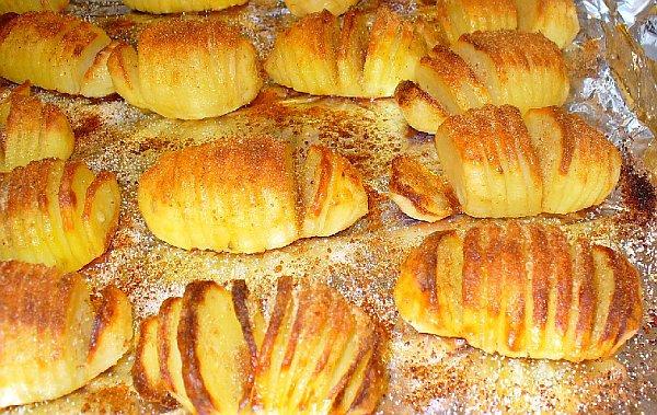 Картошка маленькая в духовке