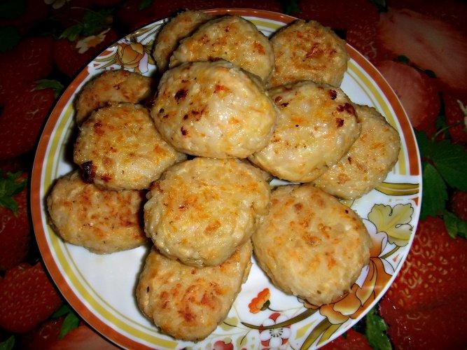 Салат с куриной грудкой сыром и свежим огурцом рецепт