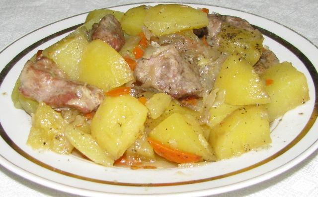 Картошка слоями с мясом в духовке фото