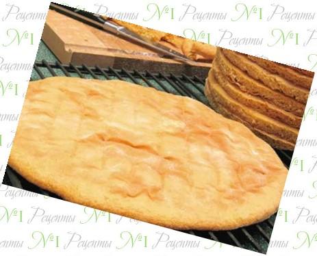 Пирог на слоеном тесте с сыром и помидорами в духовке рецепт с фото