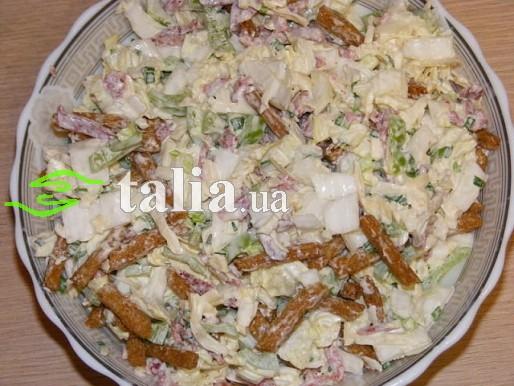 Салат из пекинской капусты и кириешки рецепты27